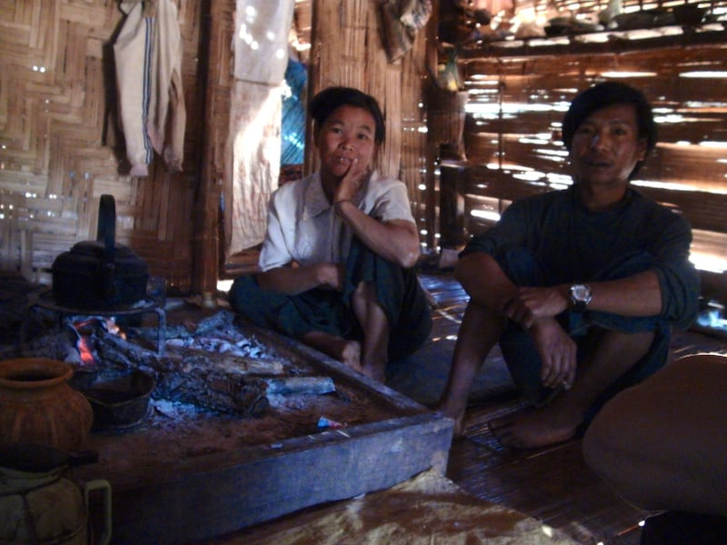 dans une maison traditionnelle hsipaw birmanie Myanmar