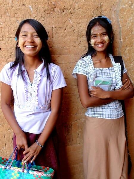 jeune fille birmanes bagan