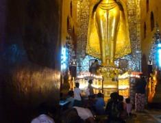 statue d or bagan birmanie