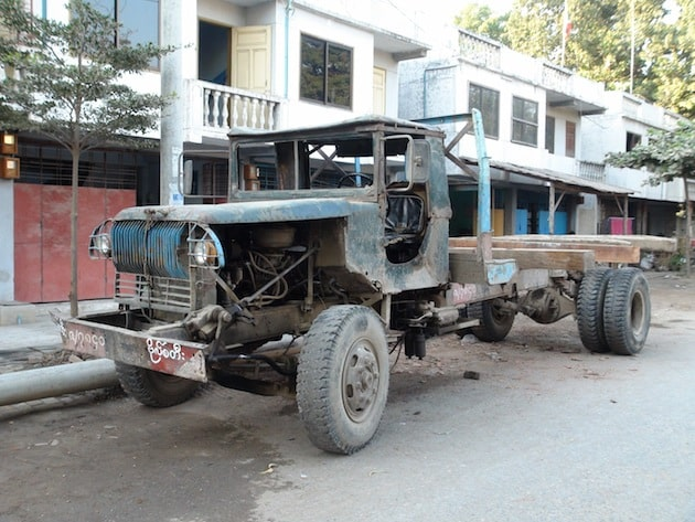véhicules birmans