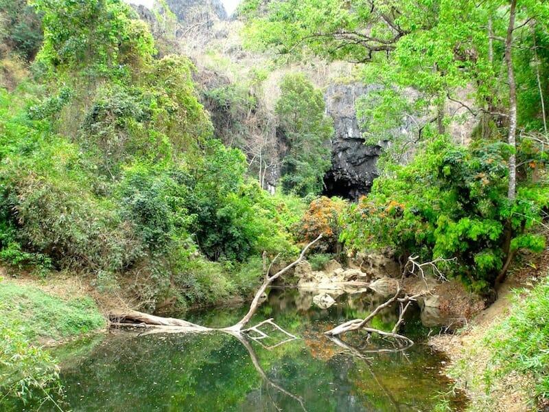 grotte region thakhek laos