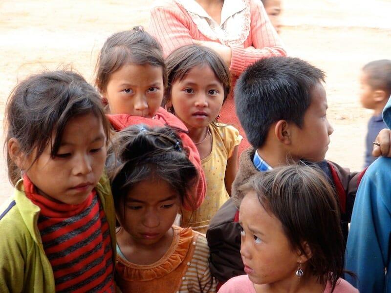 groupe enfants thakhek laos