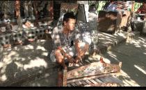 Alex joue du Rindic Bali indonésie