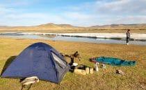 camping au bord de la rivière rando à cheval kharkhorin mongolie