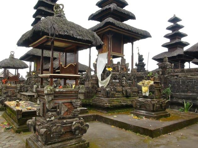 Temple lac batur bali indonésie