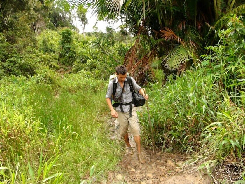 alex patoge dans la boue vallée du Baliem Papouasiealex patoge dans la boue vallée du Baliem Papouasie