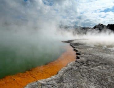 Parc national de Rotorua bassin thermique nouvelle zelande