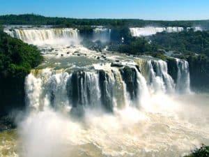 vue d'ensemble chutes d'iguazu argentine