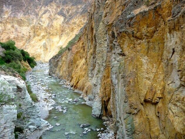 rivière canyon de colca pérou