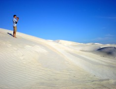 alex dans les dunes arrets road trip australie en van