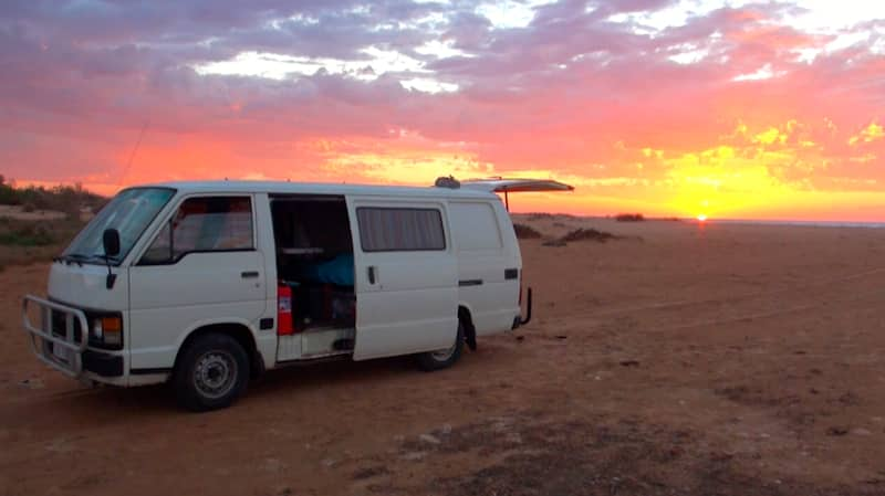 acheter un van en australie conseils pratiques en vid o. Black Bedroom Furniture Sets. Home Design Ideas