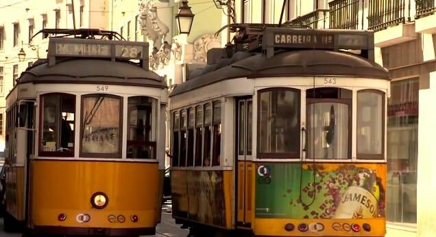 trams 28 dans les rues de Lisbonne