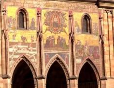 mosaique facade chateau de prague