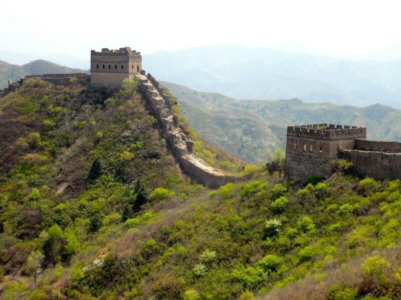 muraille de chine a flanc de montagne