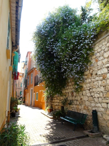 ruelle vieille ville villefranche sur mer