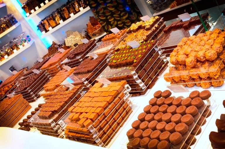 vitrine chocolaterie Lamy