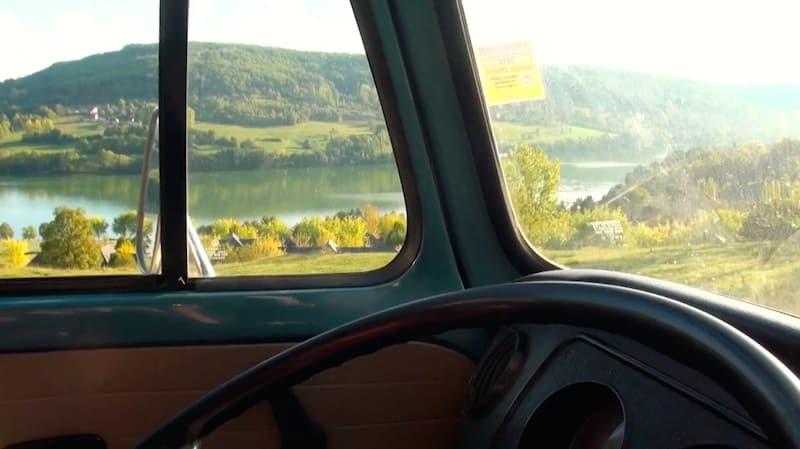 vue du van lac du causse