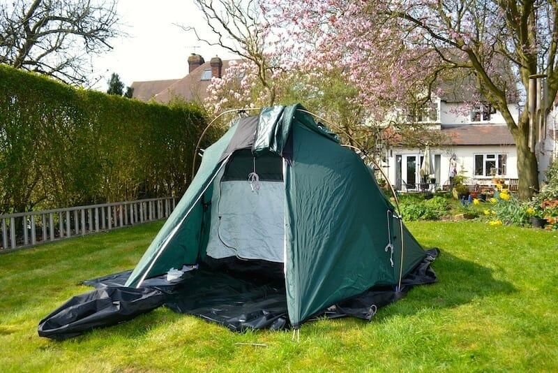 dormir gratuitement tente dans jardin