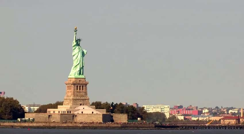 statue de la liberte nyc vue du bateau
