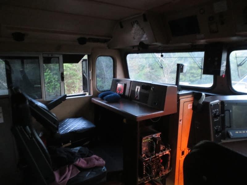 interieur cabine train de fret