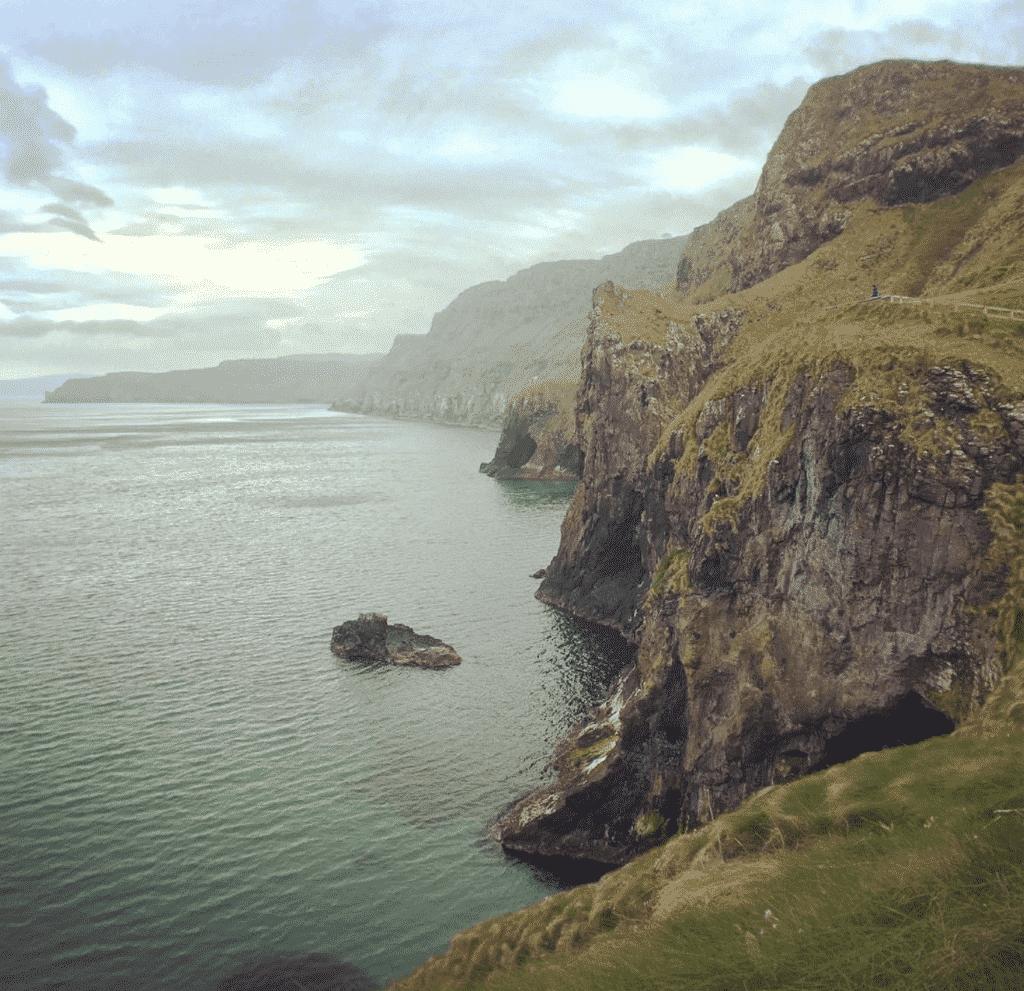 randonnee falaises plongeantes irlande du nord
