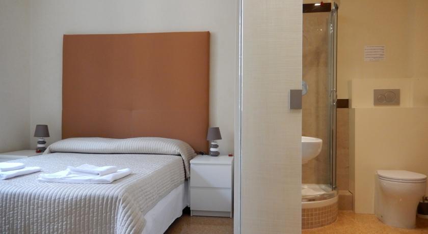 hotel rome 900 liberty centre historique