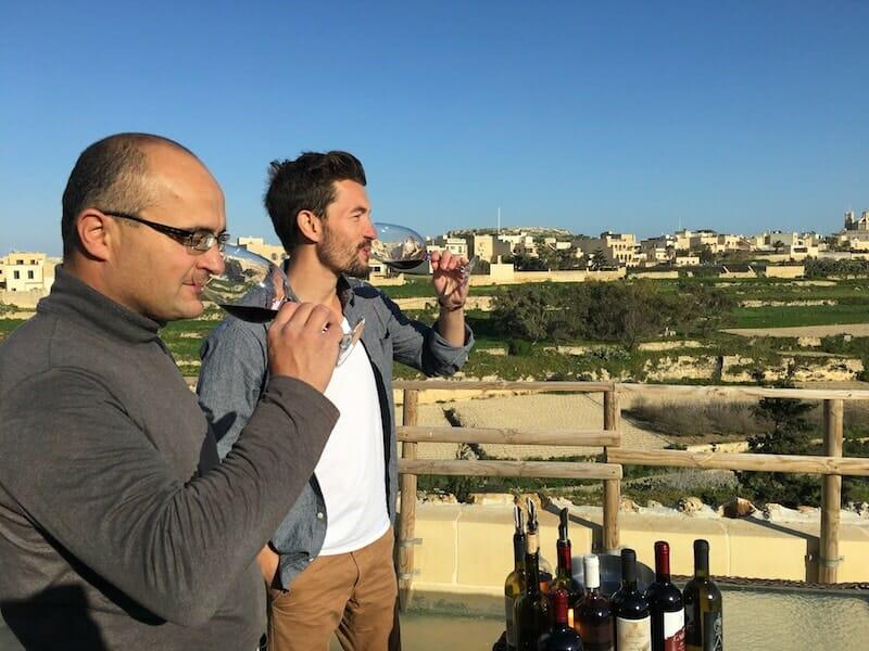 Le vignoble Tal Massar et ses séances de dégustation dans un cadre magnifique.