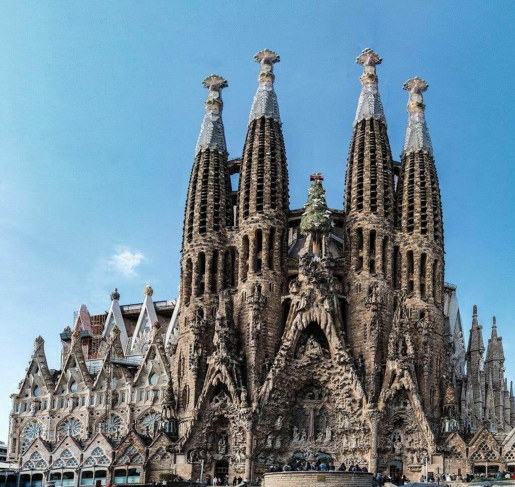 visiter cathedrale sagrada familia barcelone gaudi