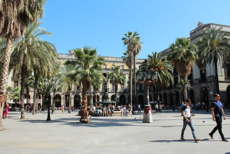 visite plaza reial barcelone