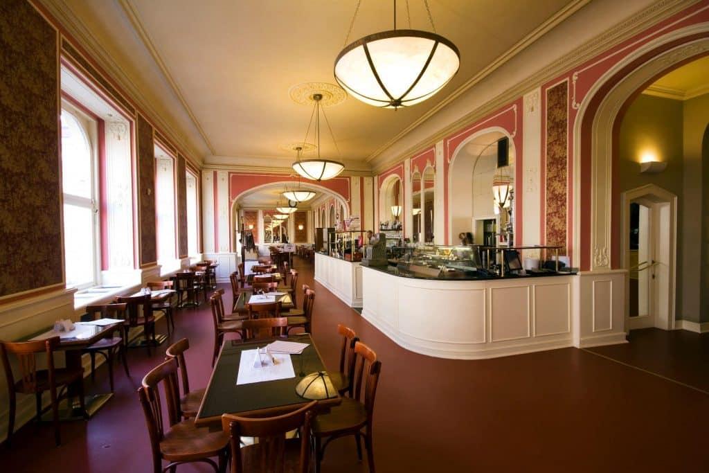cafe louvre itinéraire pour visiter prague