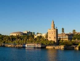 Seville la Tour dorée et le fleuve
