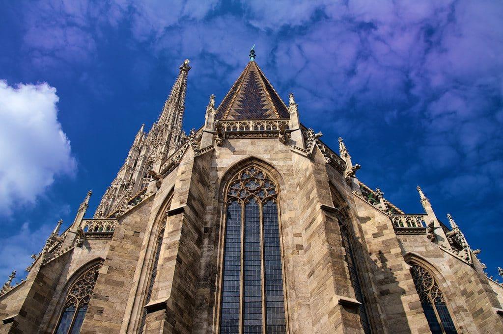 visiter Vienne la Cathédrale Sai,nt Etienne dit Steffi