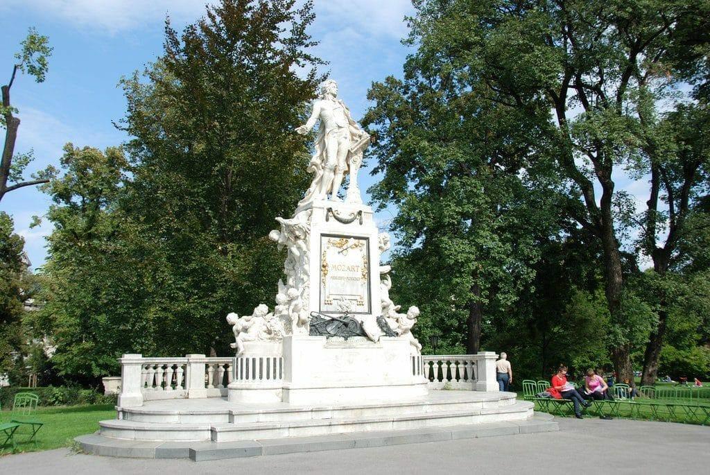 statue de Mozart visiter vienne
