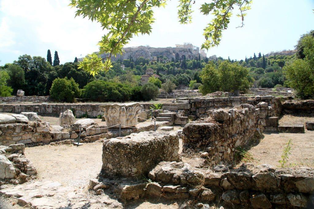 Athènes place de l'Agora coeur de la cité