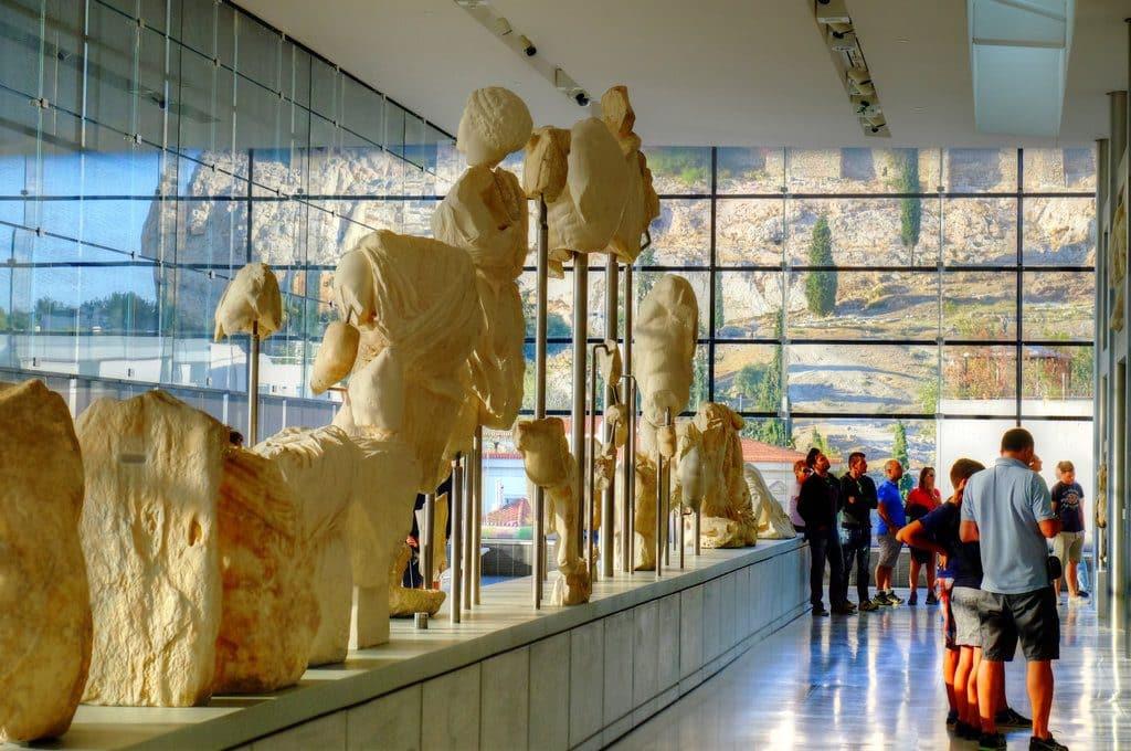 Athènes le musée de l'acropole et ses merveilleuses découvertes