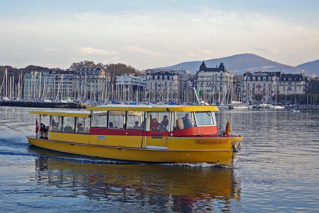 Genève traversée du lac Léman en bateau