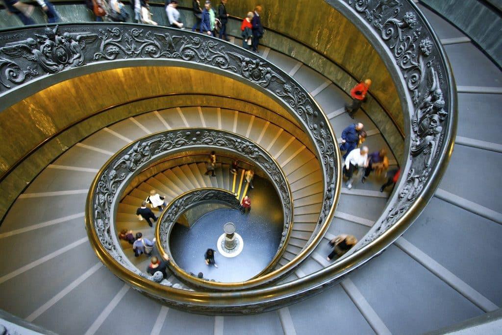 Visiter le vatican et le superbe escalier à hélice des musées