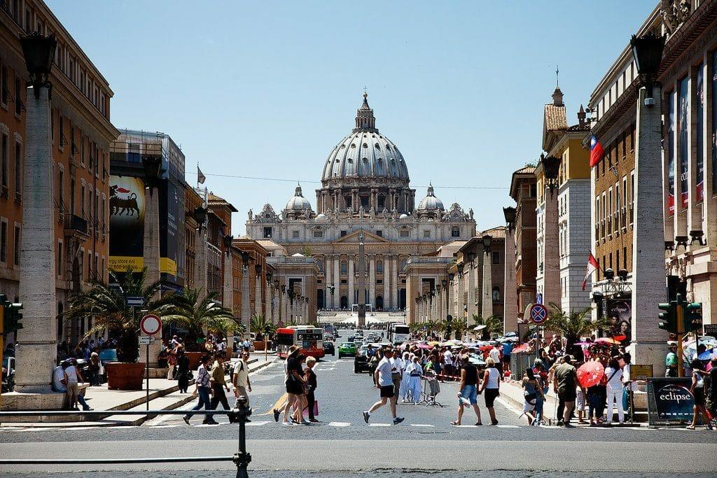 La très belle rue Conciliazione qui mène à la Basilique