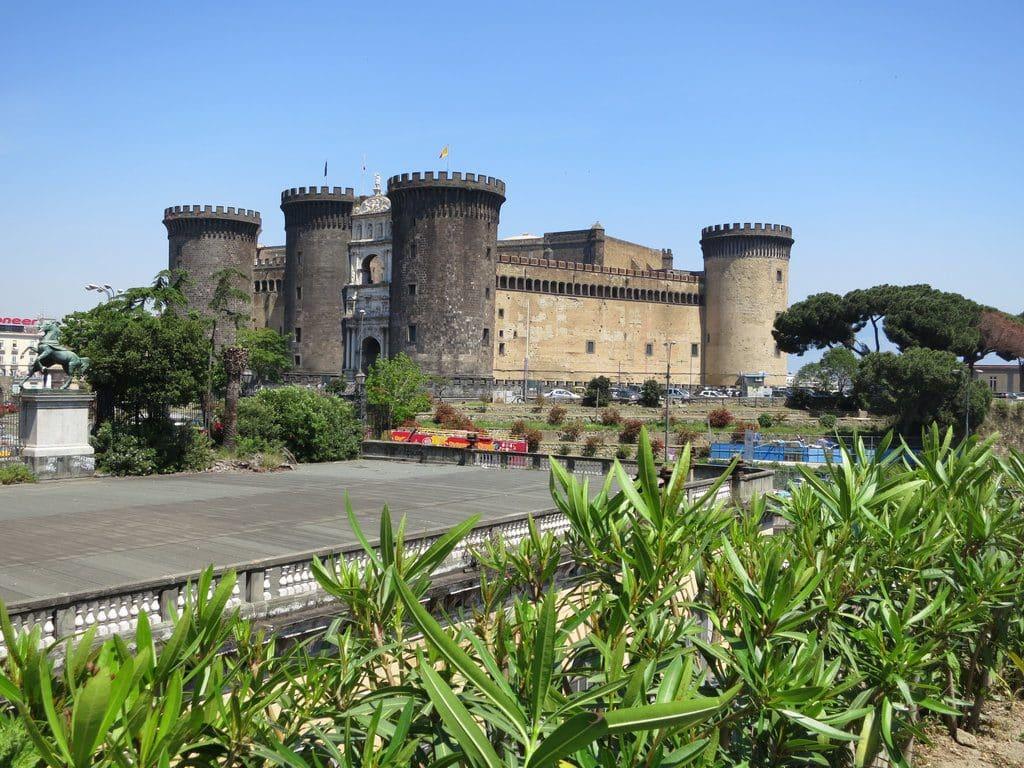 Le château Nuovo à Naples
