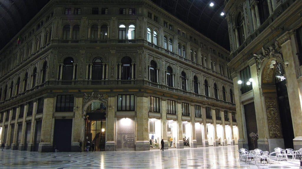 La galerie commerçante Umberto avec son dôme