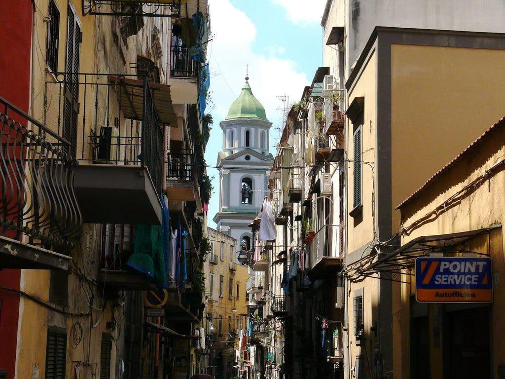 Le joli quartier Rione satina à Naples