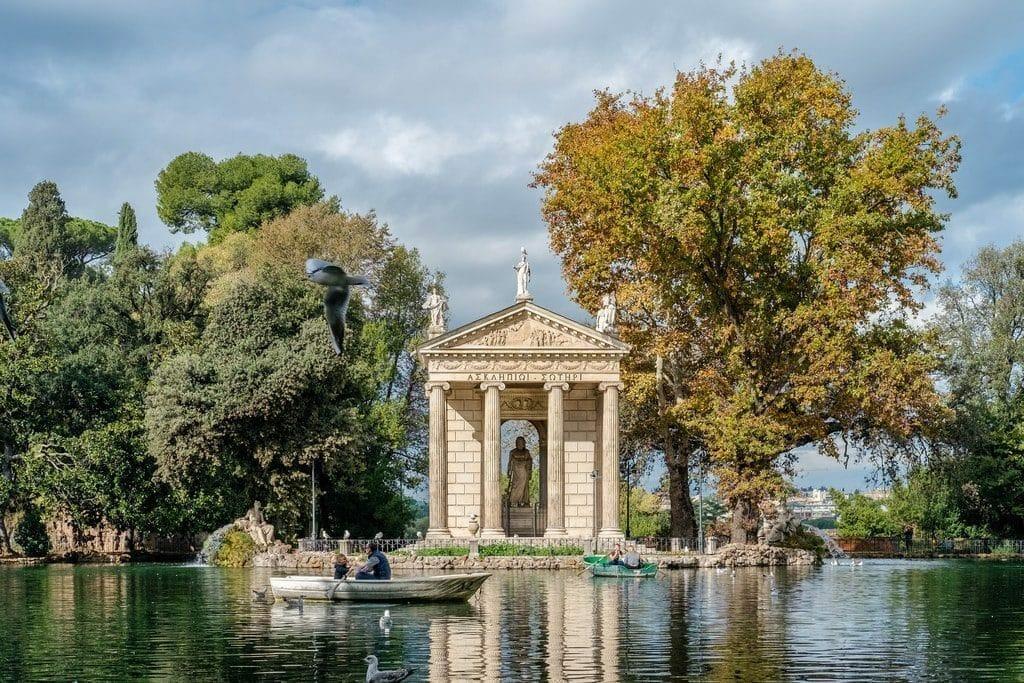 Temple dans le Parc de la Villa Borghese