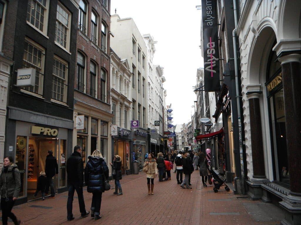 La rue commerçante de Kalverstraat