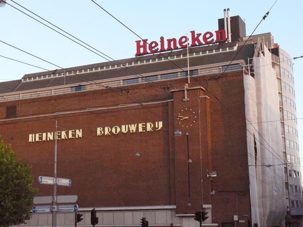ôte à la bière au musée Heineken ancienne fabrique du groupe