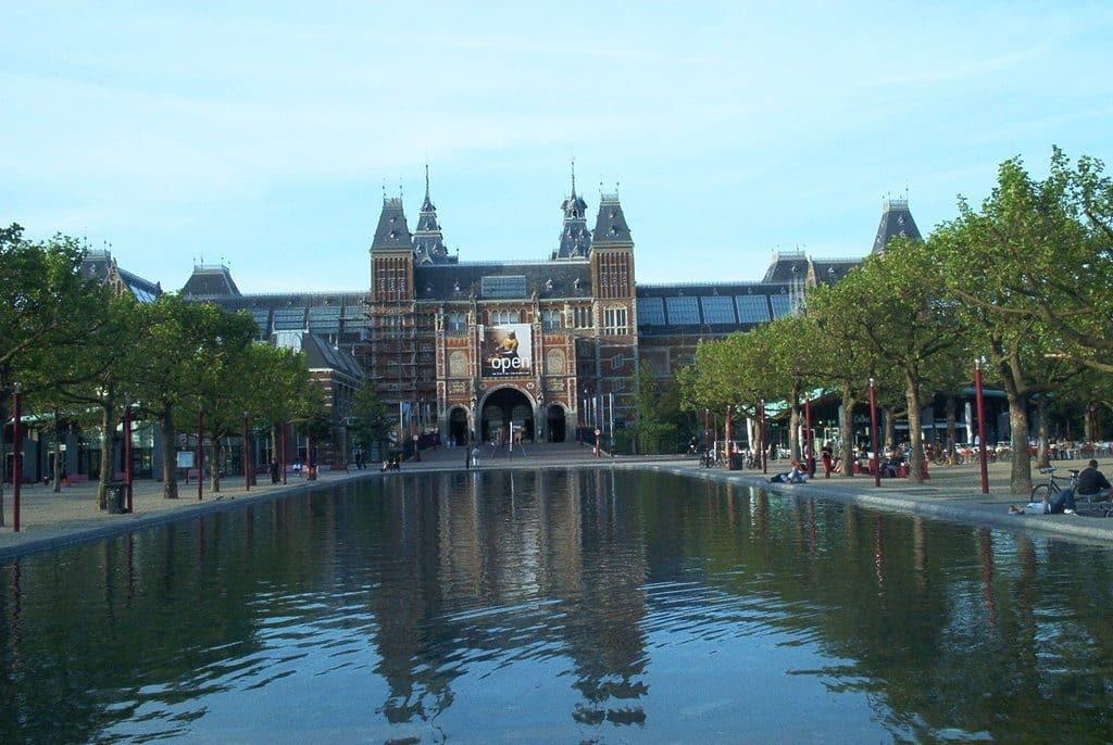 Le très beau Rijksmuseum à Amsterdam