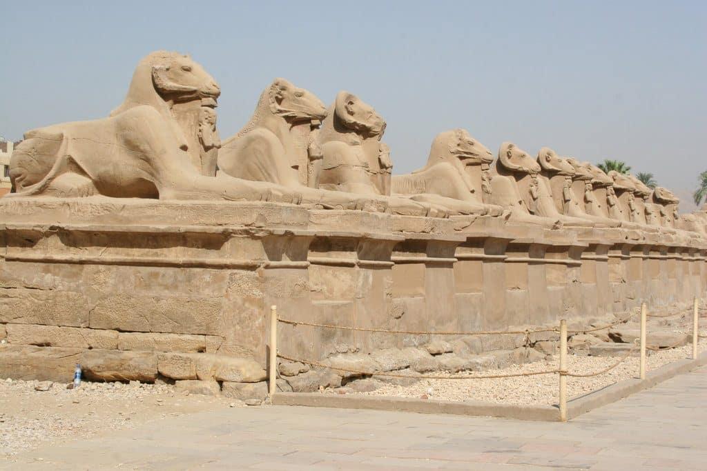 Découvrir l'allée des Sphinx en Egypte