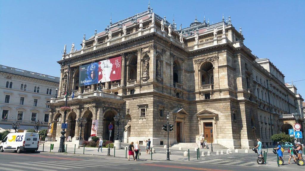 opera etat hongrois visiter budapest