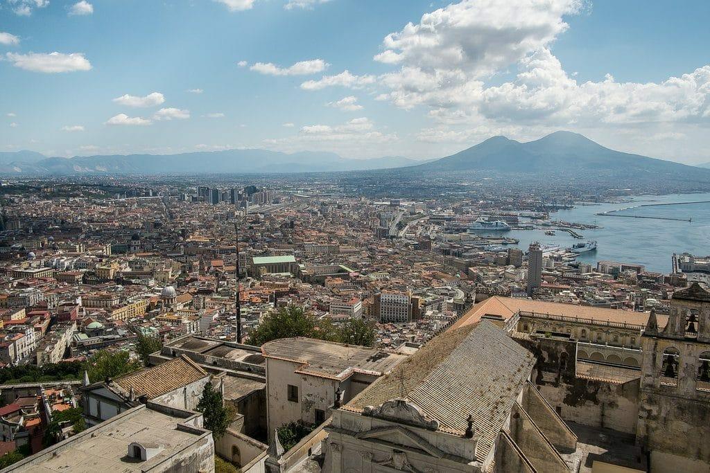 Le bord de mer à Naples