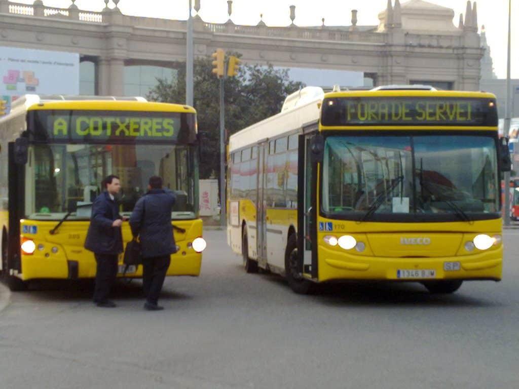 transfert aeroport barcelone centre ville en bus