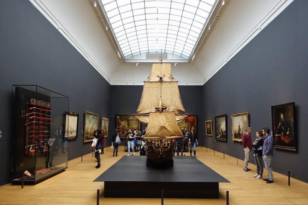 Une belle salle d'exposition au Rijksmuseum